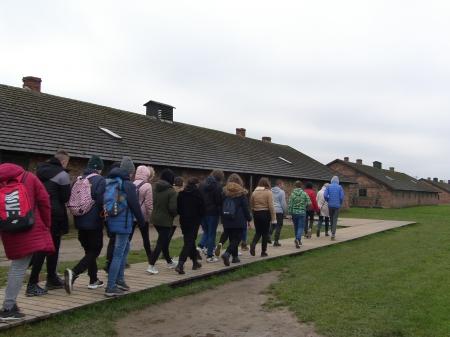 Zwiedzanie Miejsca Pamięci i Muzeum Auschwitz- Birkenau.