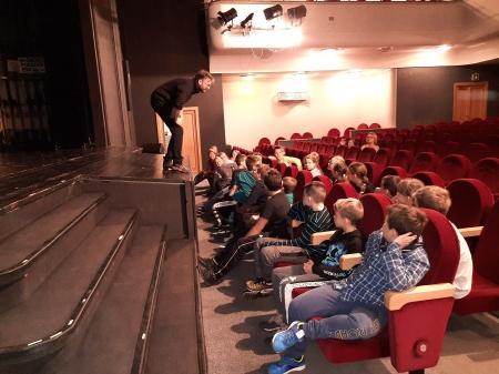 Wycieczka klas trzecich do Teatru Zagłębia